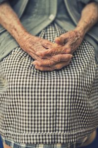 elderly-hands in prayer, Pixabay